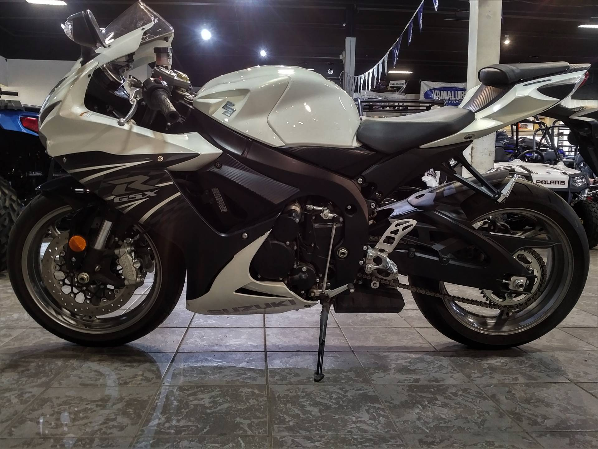 2011 Suzuki GSX-R600™ in Salinas, California - Photo 3