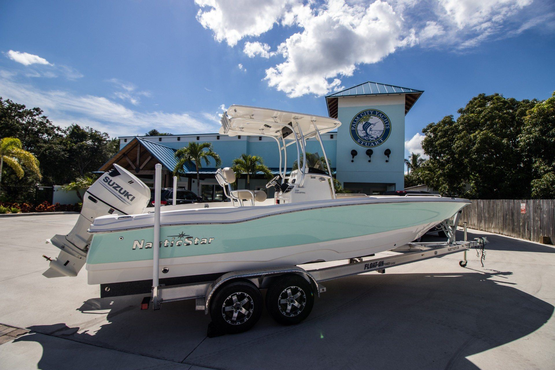 2018 NauticStar 231 Coastal in Stuart, Florida