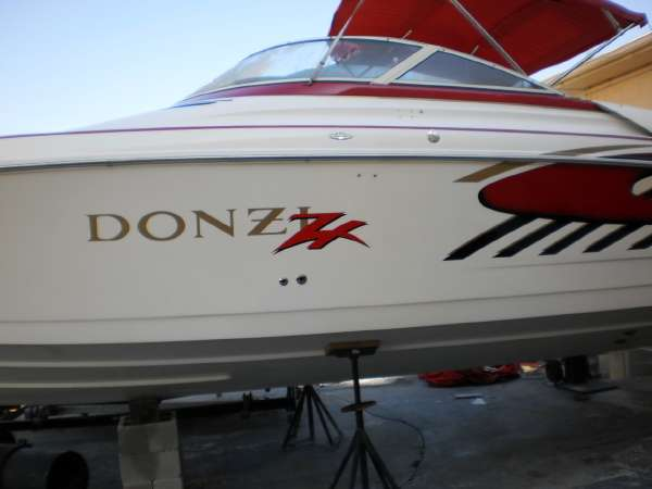 1996 Donzi 33 ZX in Stuart, Florida