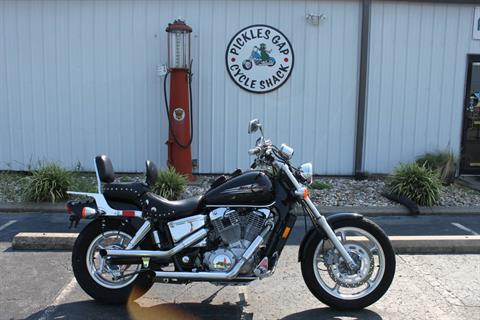 1998 Honda VT1100 in Greenbrier, Arkansas - Photo 10