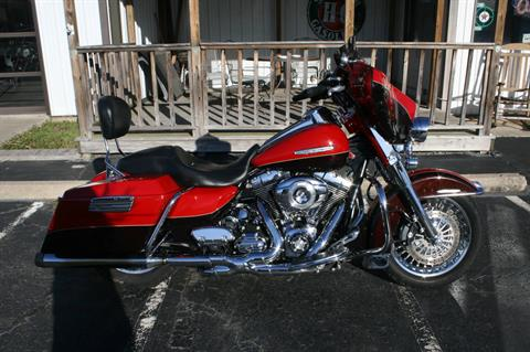 2011 Harley-Davidson FLHTK ULTRA CLASSIC LIMITED in Greenbrier, Arkansas