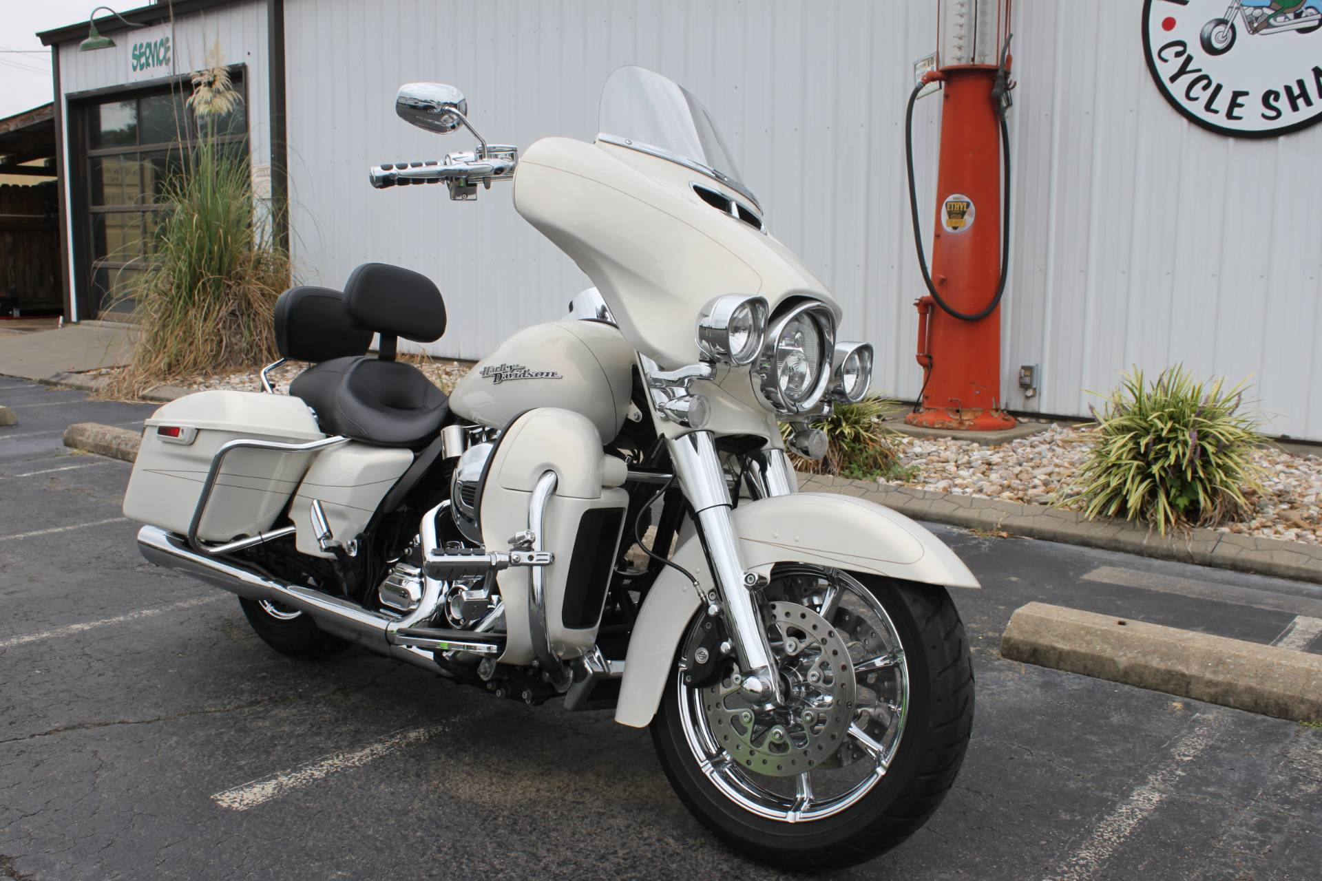 2014 Harley-Davidson FLHX STREET GLIDE in Greenbrier, Arkansas - Photo 2