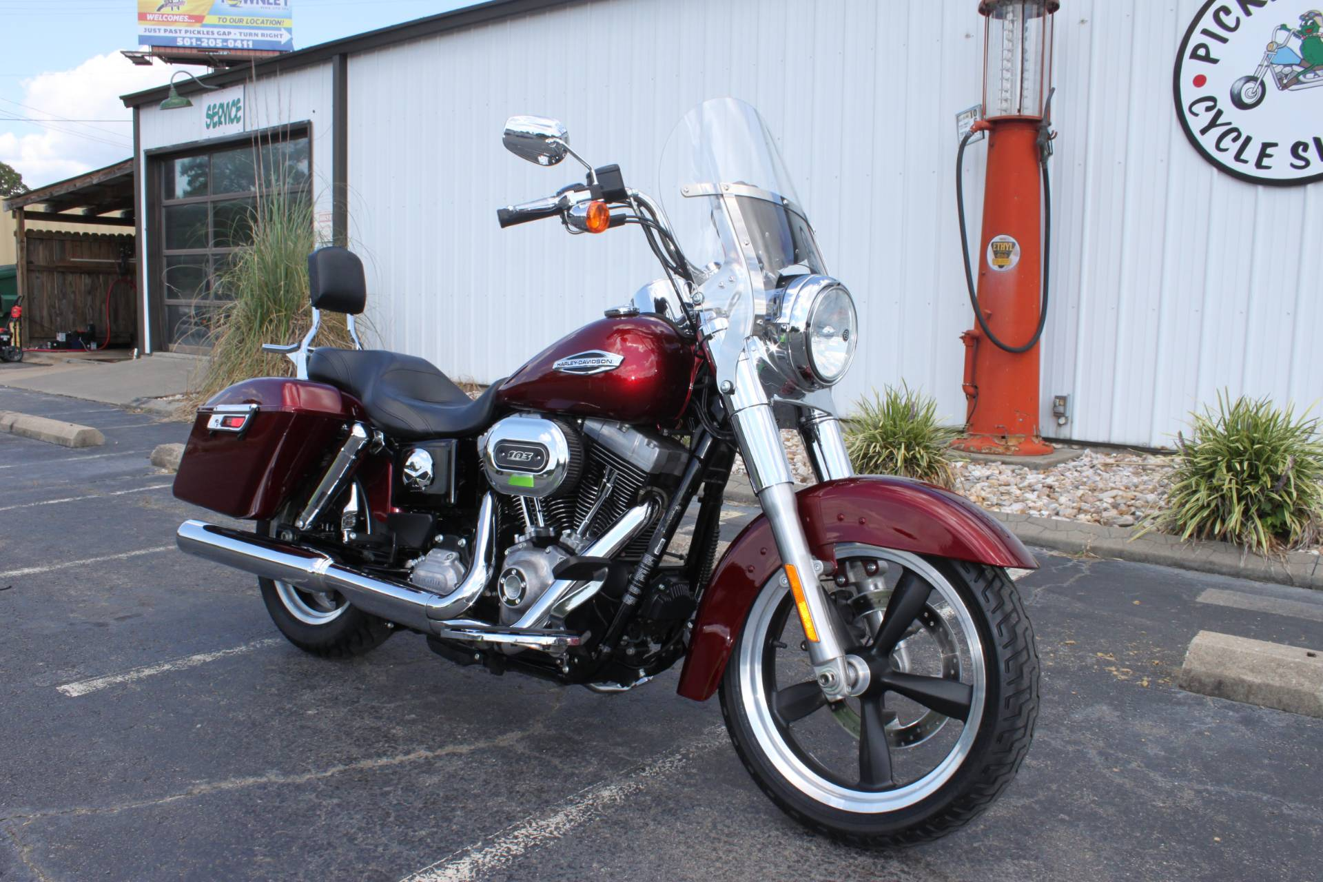 2016 Harley-Davidson FLD SWITCHBACK in Greenbrier, Arkansas - Photo 12