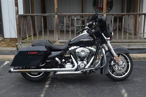 2013 Harley-Davidson FLHXI in Greenbrier, Arkansas