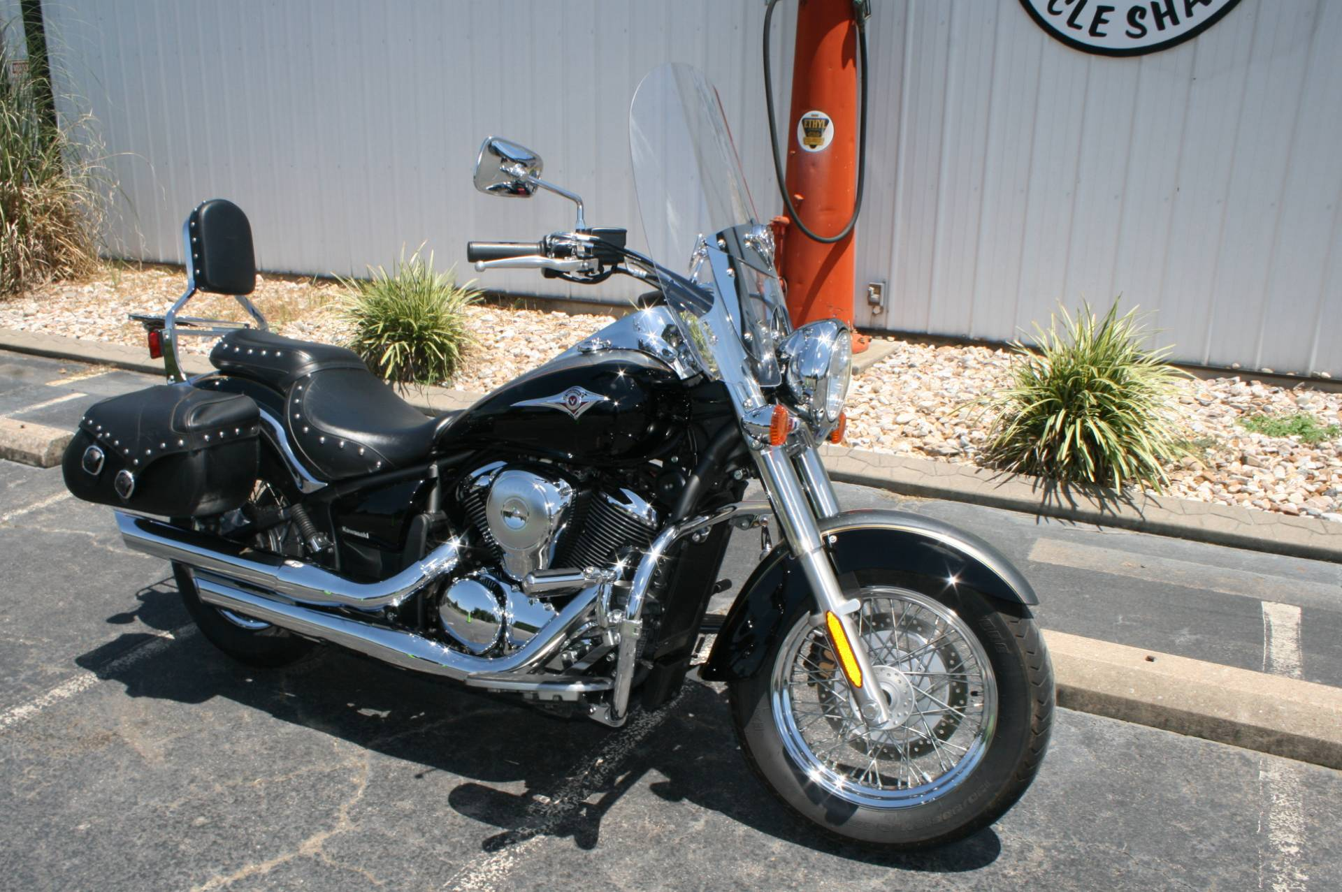 2012 Kawasaki VN900 in Greenbrier, Arkansas - Photo 2