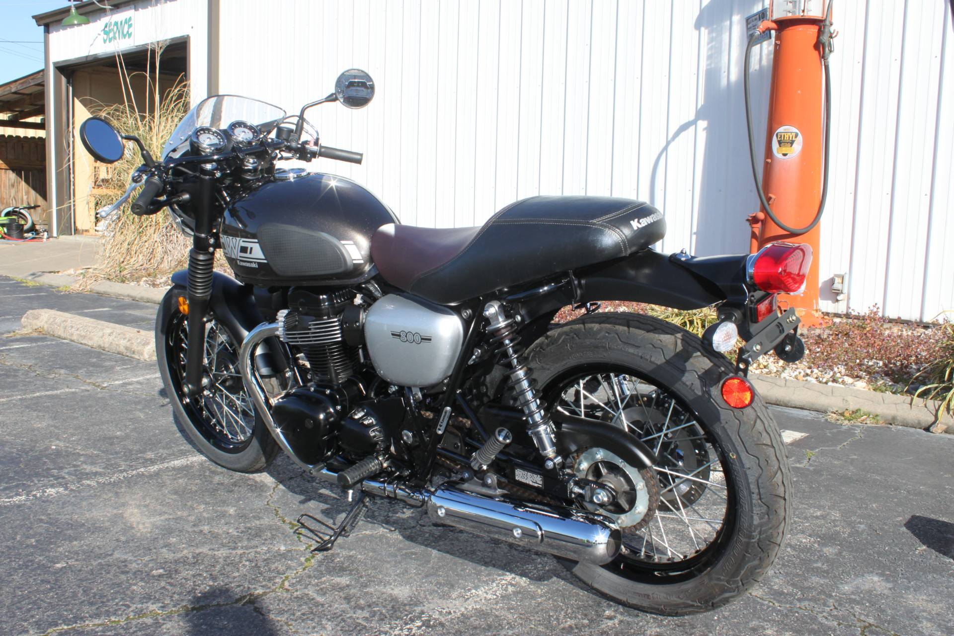 2019 Kawasaki W800 CAFE in Greenbrier, Arkansas - Photo 11