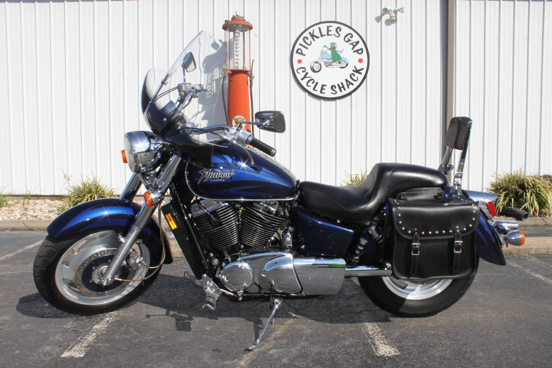 2001 Honda 1100 SHADOW SABRE in Greenbrier, Arkansas - Photo 2