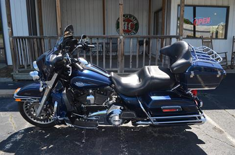 2013 Harley-Davidson FLHTCU in Greenbrier, Arkansas