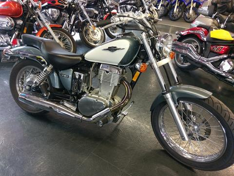 2014 Suzuki Boulevard S40 in Phillipston, Massachusetts