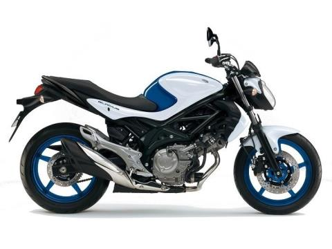 2015 Suzuki SFV 650 Gladius ABS in Phillipston, Massachusetts