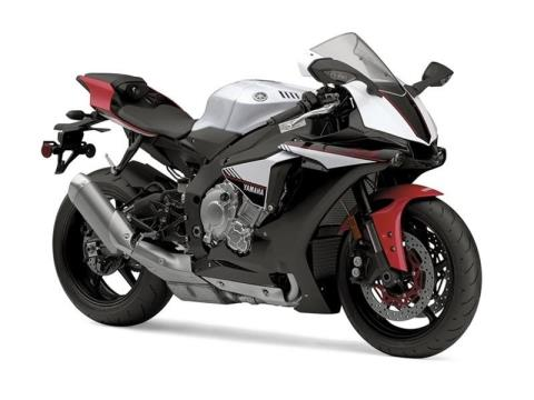 2016 Yamaha YZF-R1S in Phillipston, Massachusetts