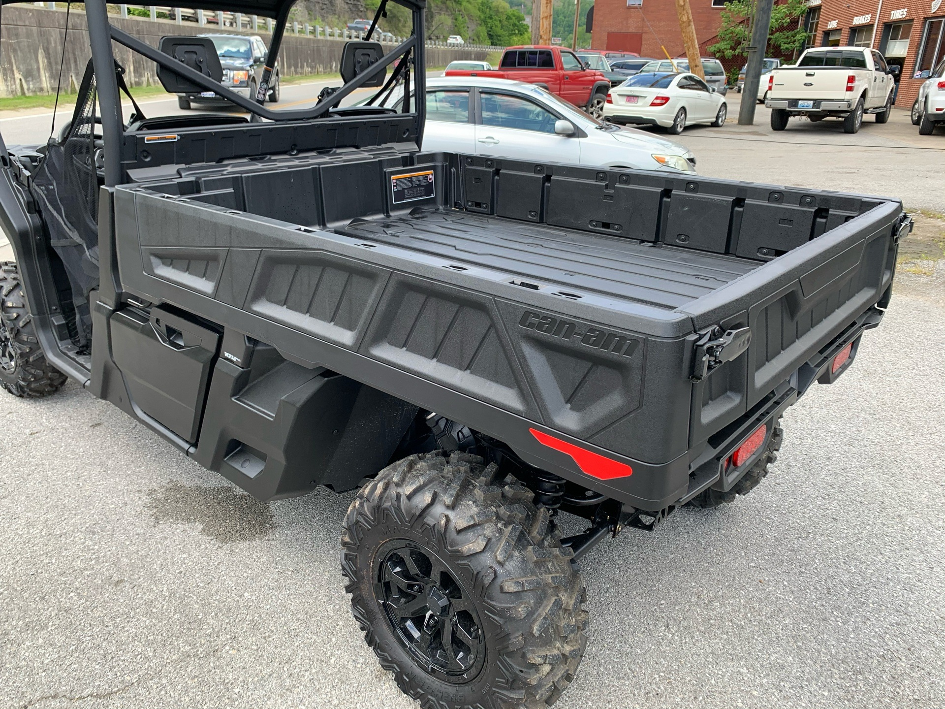 2020 Can-Am Defender Pro XT HD10 in Pikeville, Kentucky - Photo 8