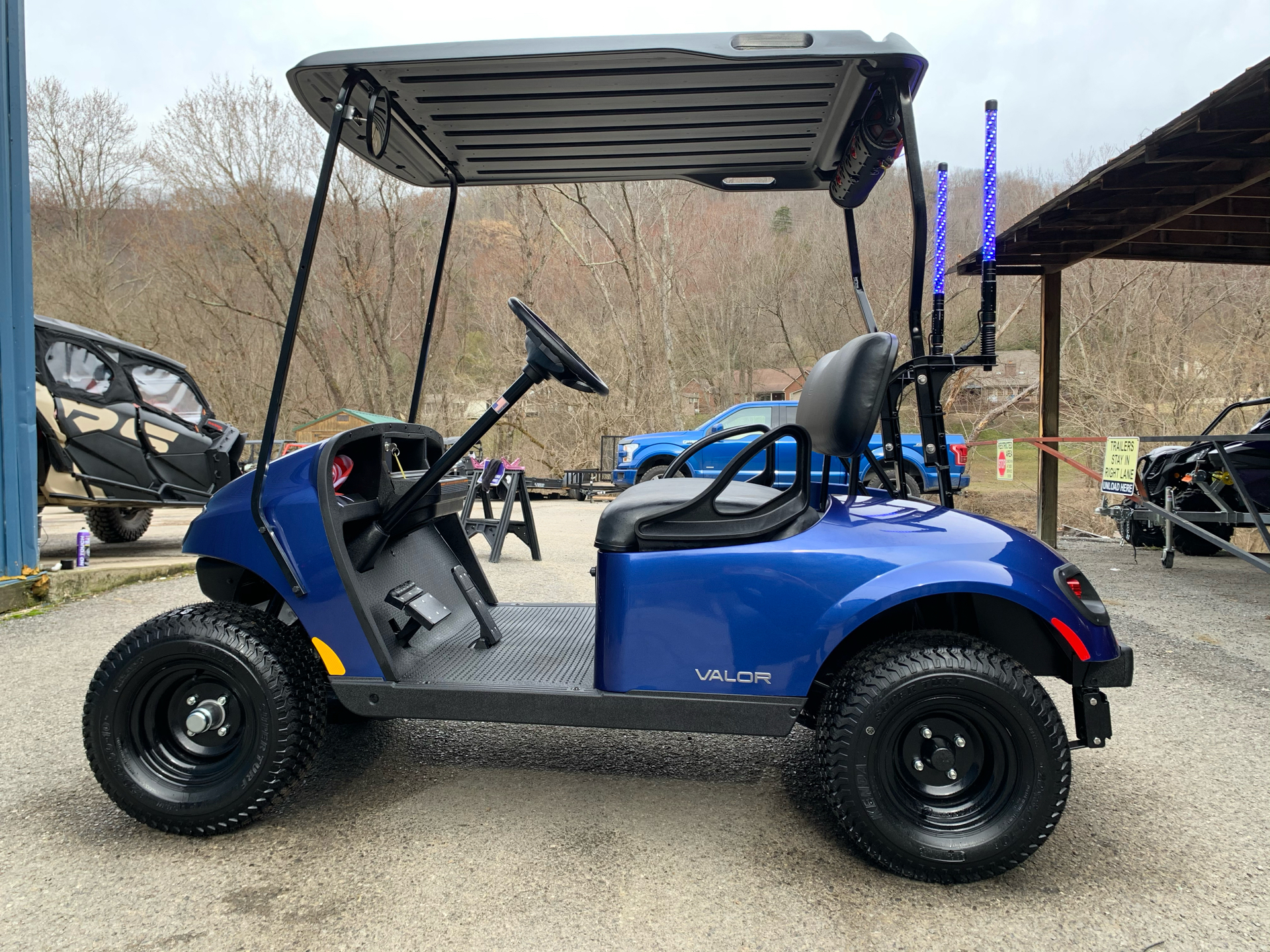 2021 E-Z-GO TXT Valor G EX1 EFI in Pikeville, Kentucky - Photo 2
