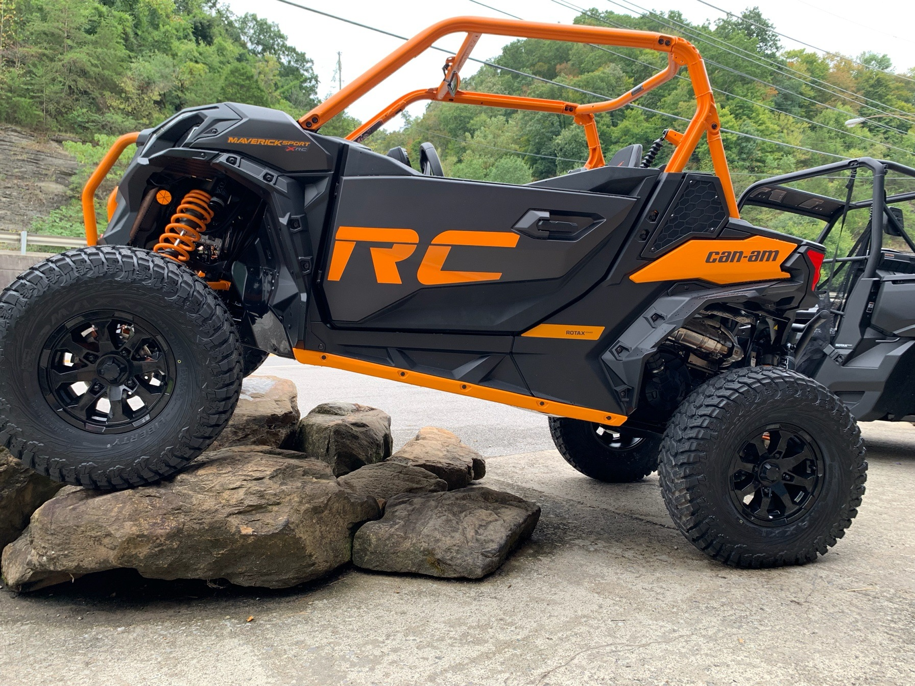2020 Can-Am Maverick Sport X RC 1000R in Pikeville, Kentucky - Photo 2