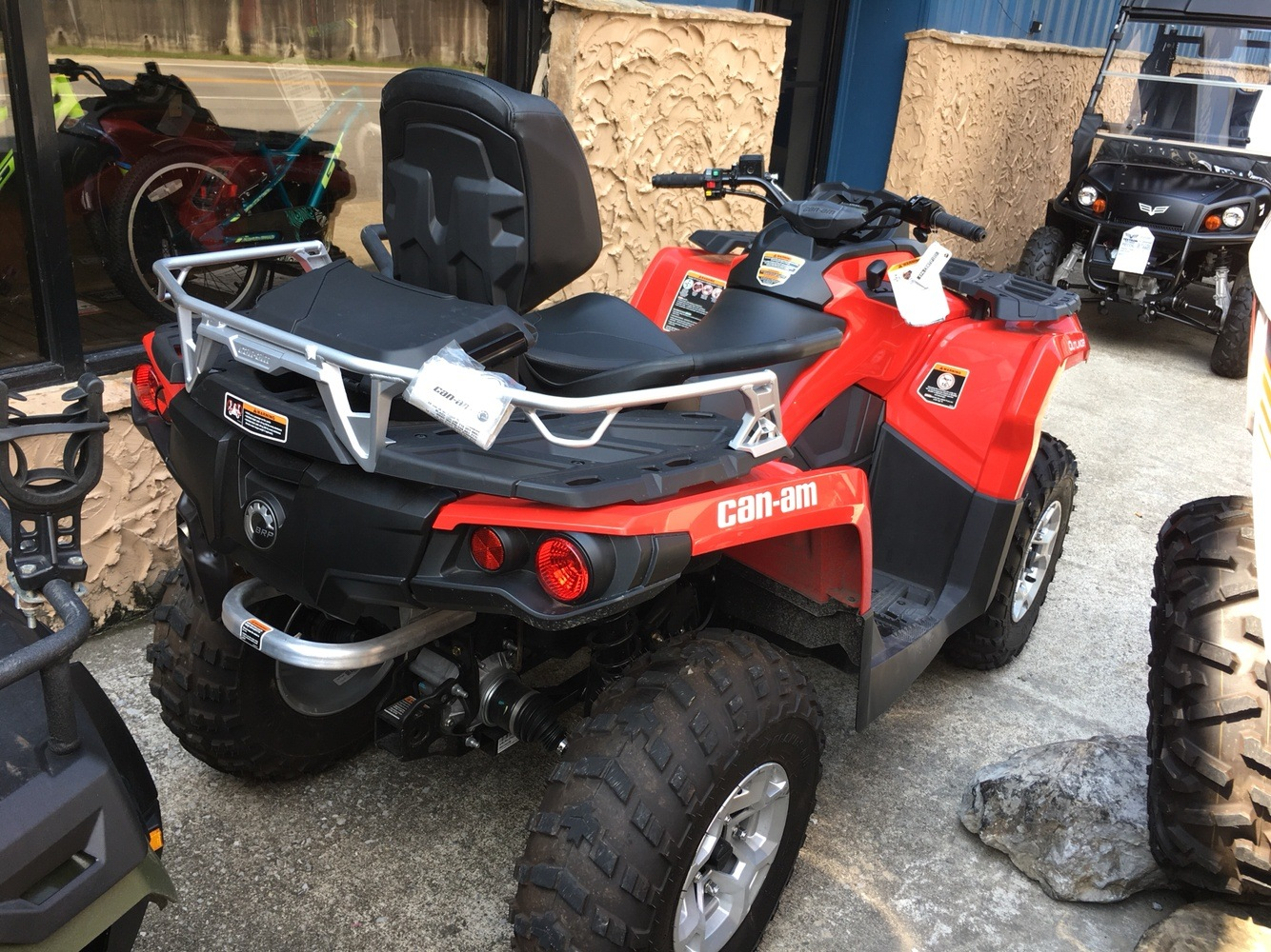 2016 Can-Am Outlander MAX DPS 650 in Pikeville, Kentucky