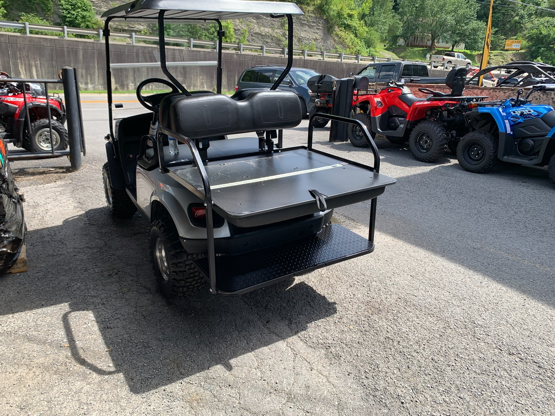 2018 E-Z-GO Express S4 Gas in Pikeville, Kentucky - Photo 8