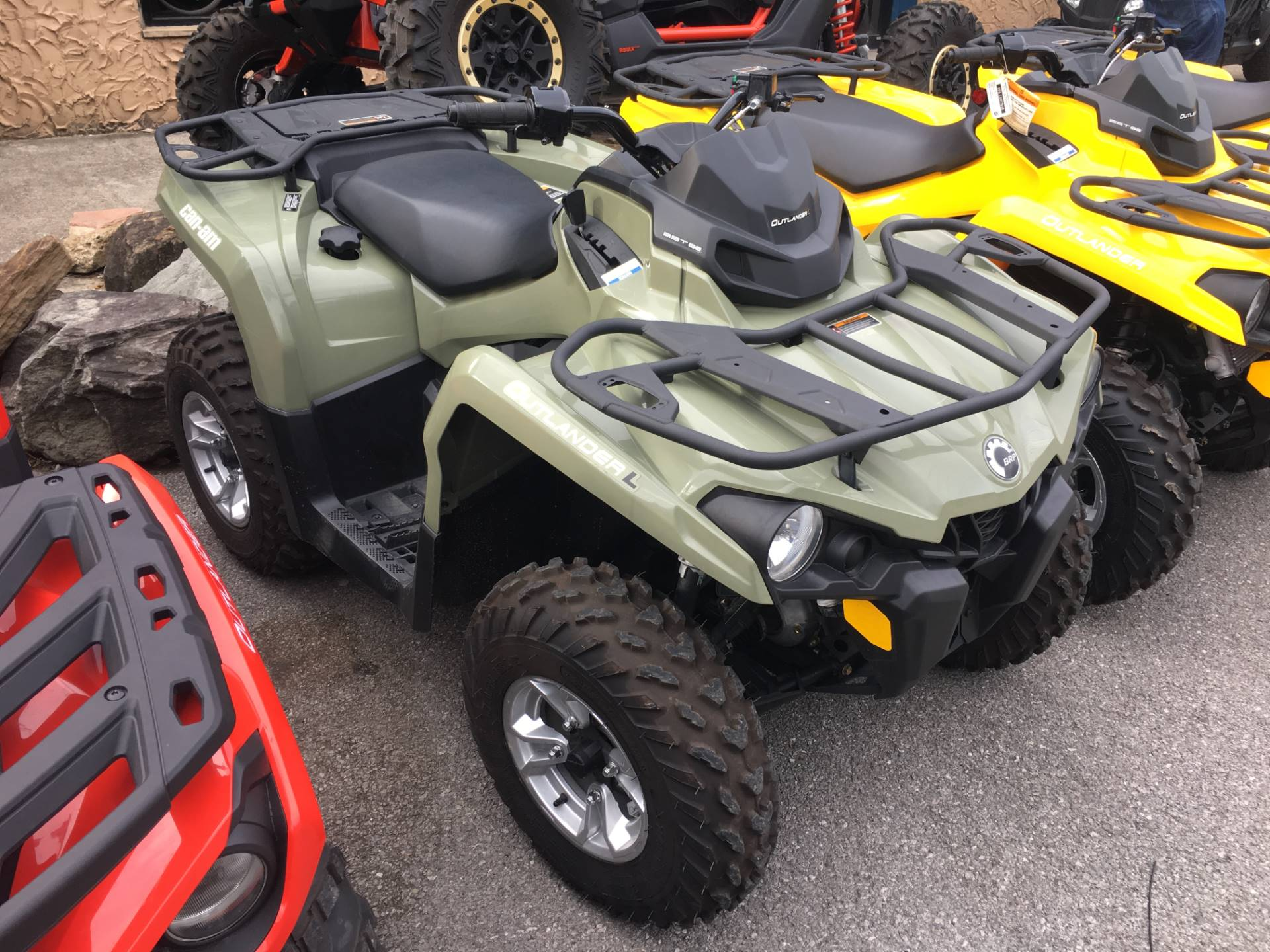 2016 Can-Am Outlander L DPS 450 in Pikeville, Kentucky