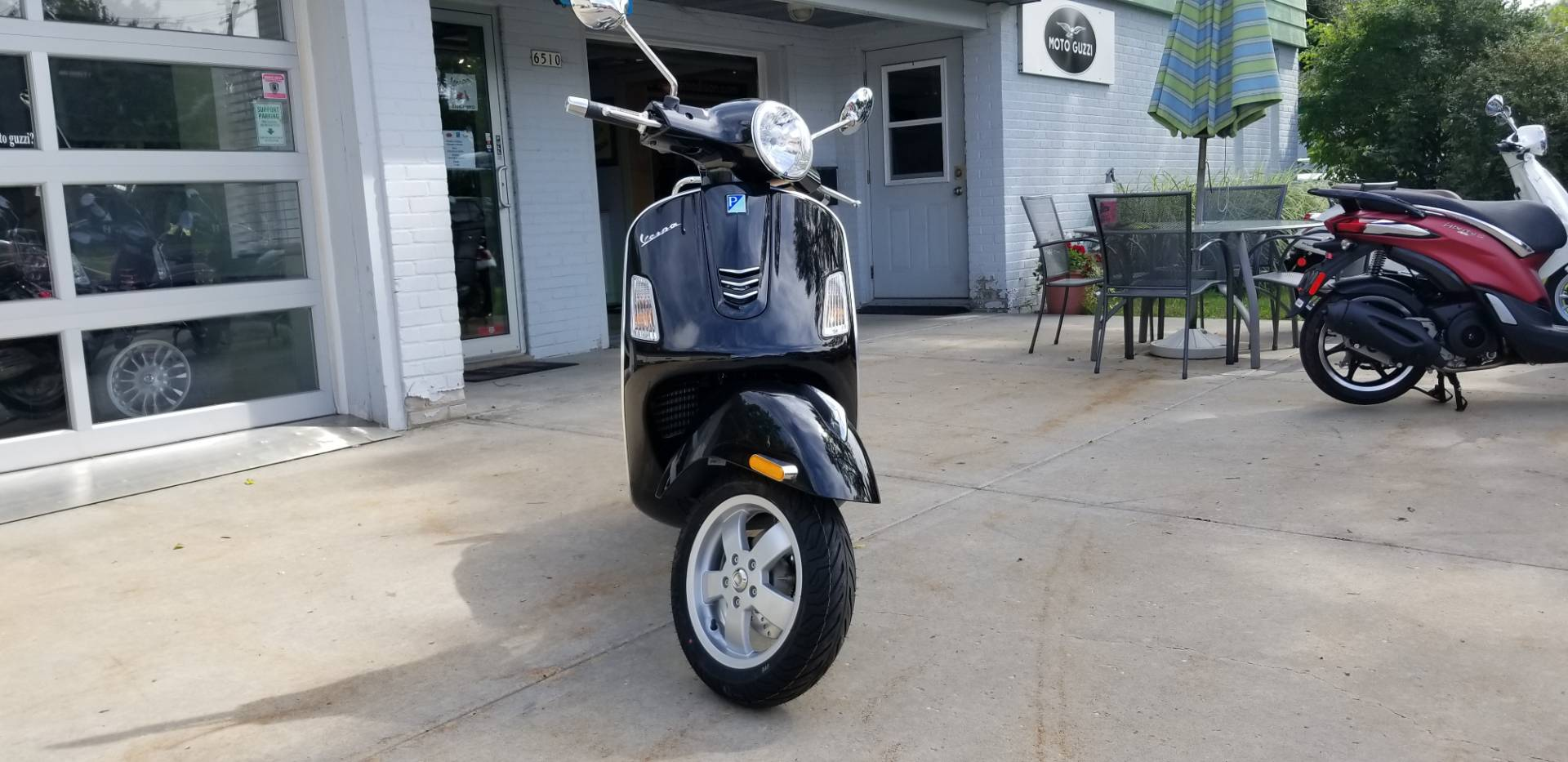 2019 Vespa GTS 300 in Middleton, Wisconsin - Photo 2