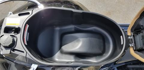 2019 Vespa GTS 300 in Middleton, Wisconsin - Photo 15