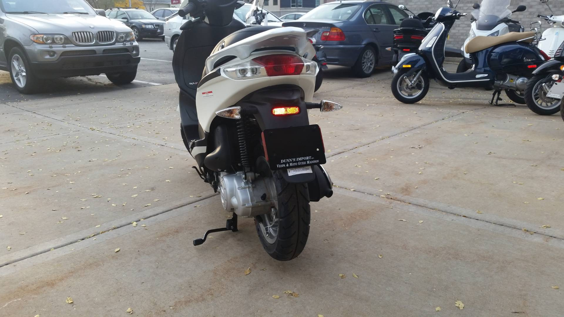 new 2017 piaggio fly 50 scooters in middleton, wi | stock number