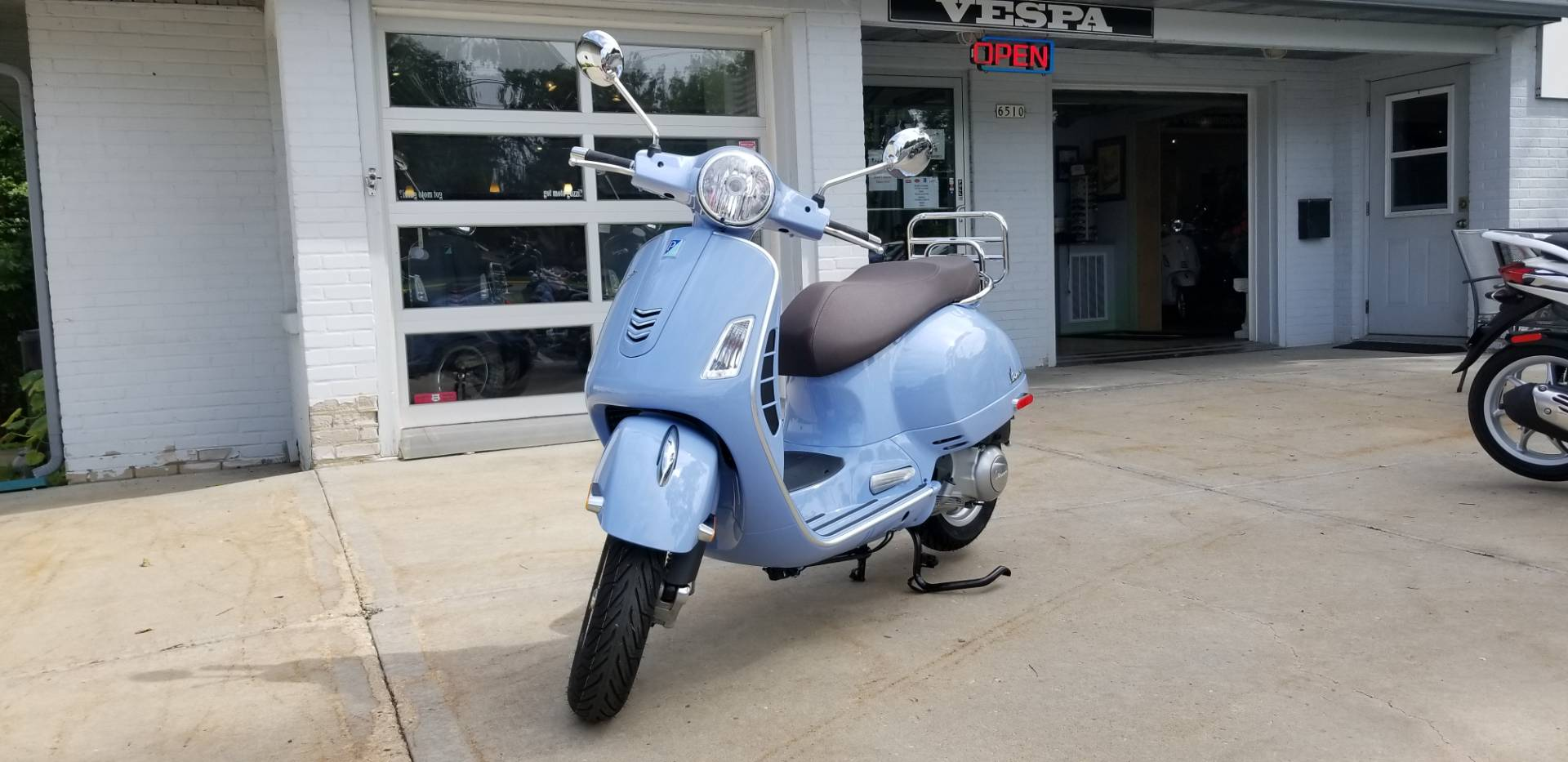 2019 Vespa GTS 300 in Middleton, Wisconsin - Photo 1