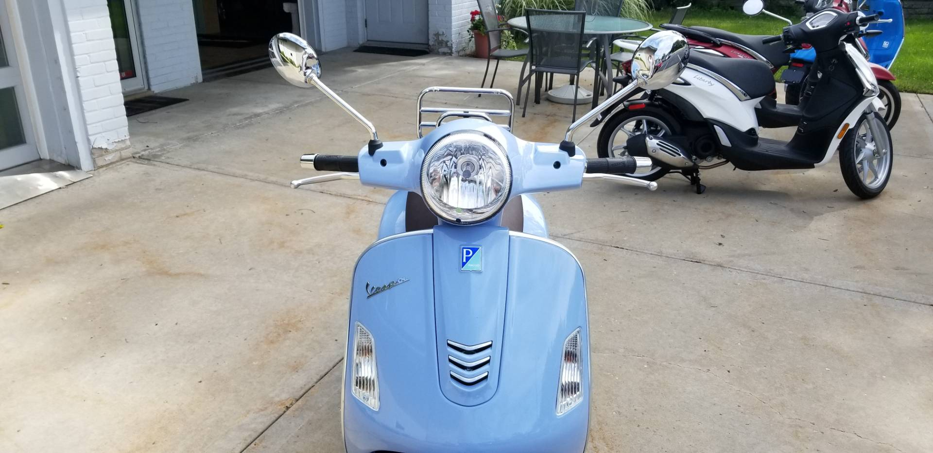 2019 Vespa GTS 300 in Middleton, Wisconsin - Photo 5