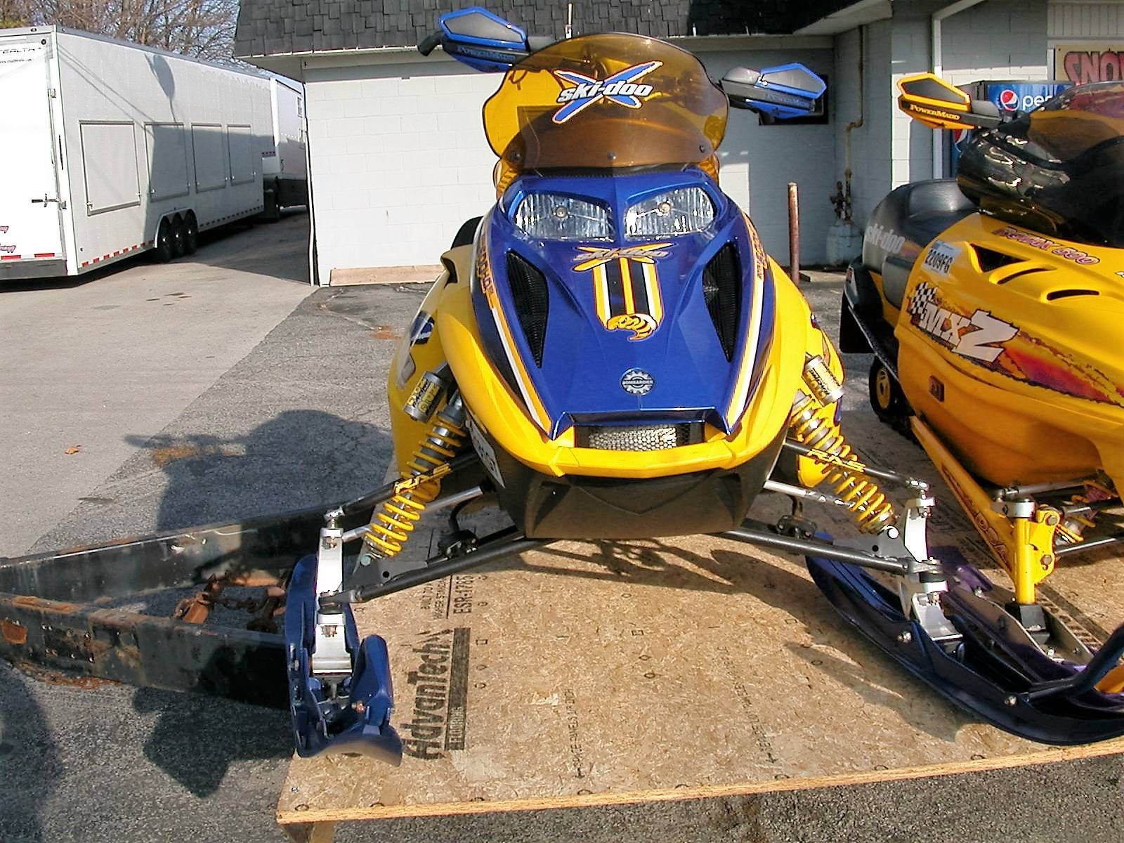 2004 Ski-Doo MX Z  X 600 SDI in Le Roy, New York