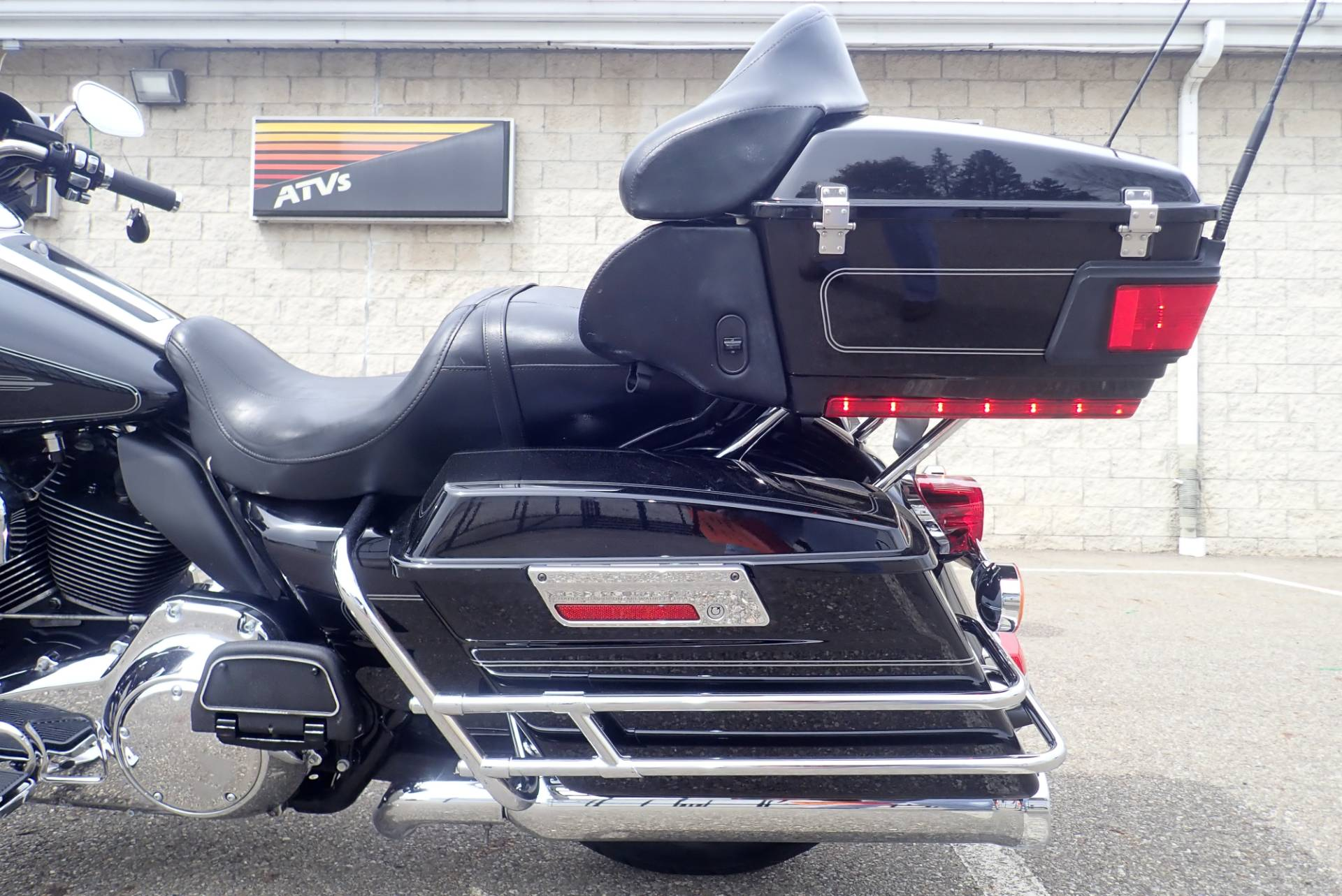 2011 Harley-Davidson Ultra Classic® Electra Glide® in Massillon, Ohio - Photo 8