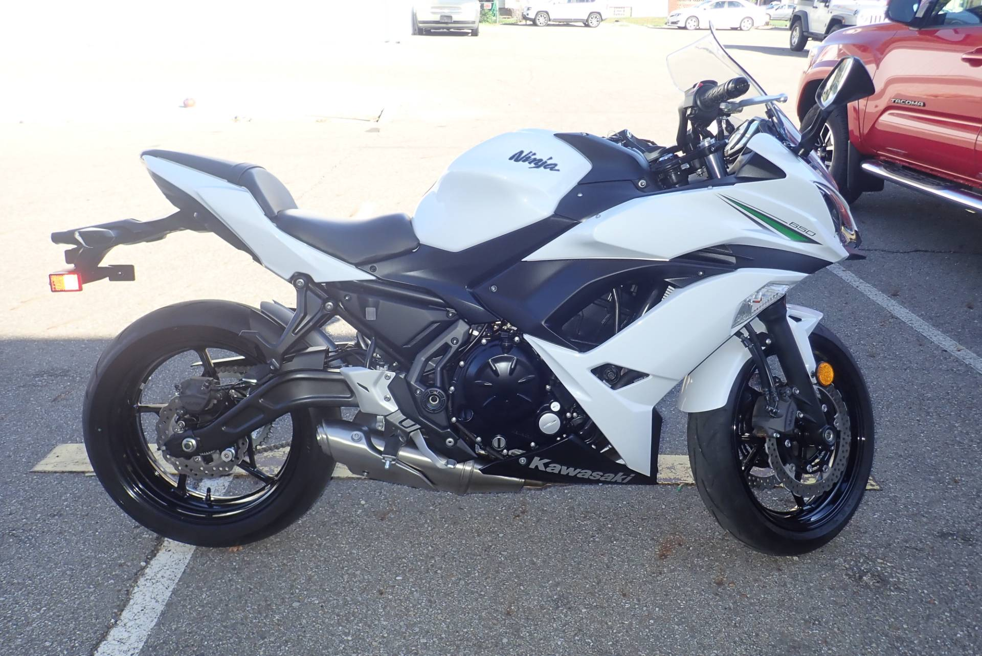 2017 Kawasaki Ninja 650 in Massillon, Ohio - Photo 2