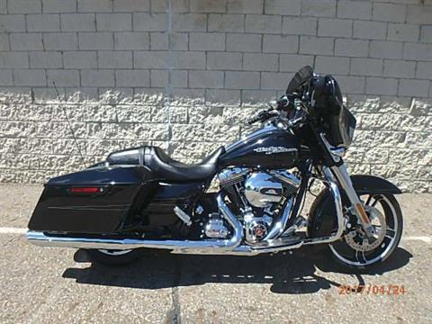 2015 Harley-Davidson Street Glide® Special in Massillon, Ohio