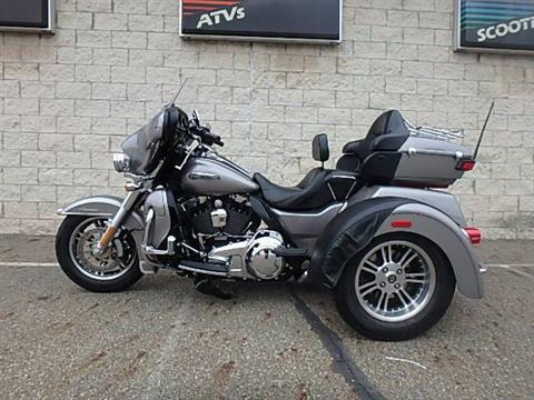 2016 Harley-Davidson Tri Glide® Ultra in Massillon, Ohio