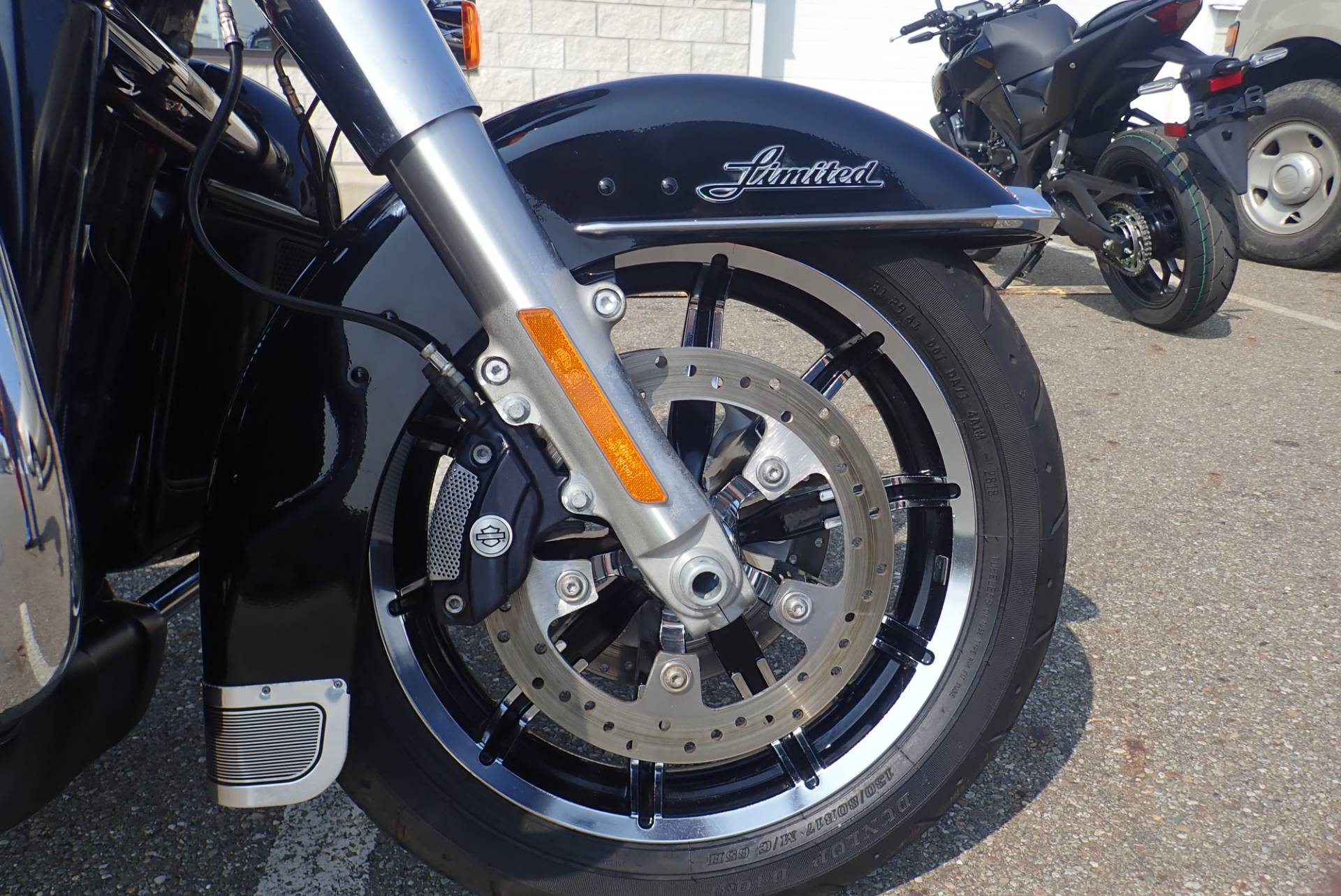 2015 Harley-Davidson Ultra Limited in Massillon, Ohio - Photo 2