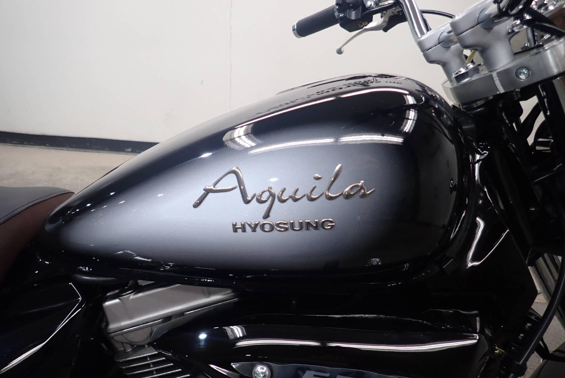 2015 Hyosung GV250 / Aquila in Massillon, Ohio - Photo 3
