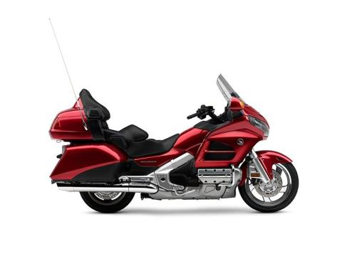 2016 Honda Gold Wing Audio Comfort Candy Red in Massillon, Ohio