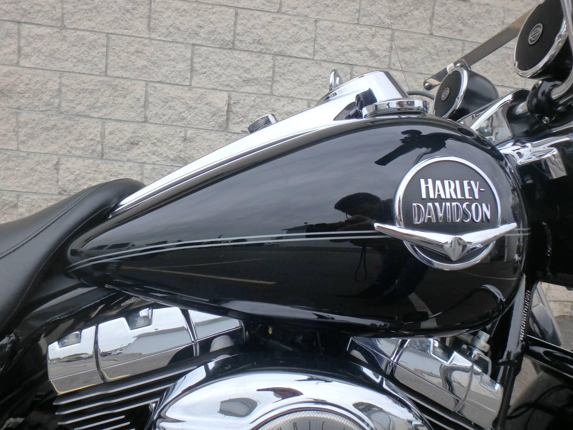 2010 Harley-Davidson Road King Classic 4
