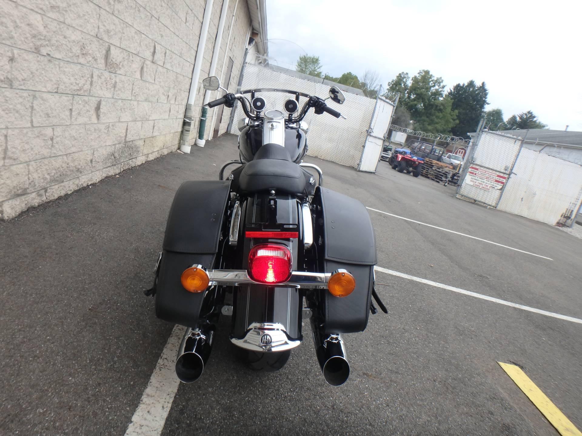 2010 Harley-Davidson Road King Classic 12