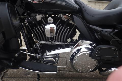 2010 Harley-Davidson Ultra Classic® Electra Glide® in Massillon, Ohio - Photo 9