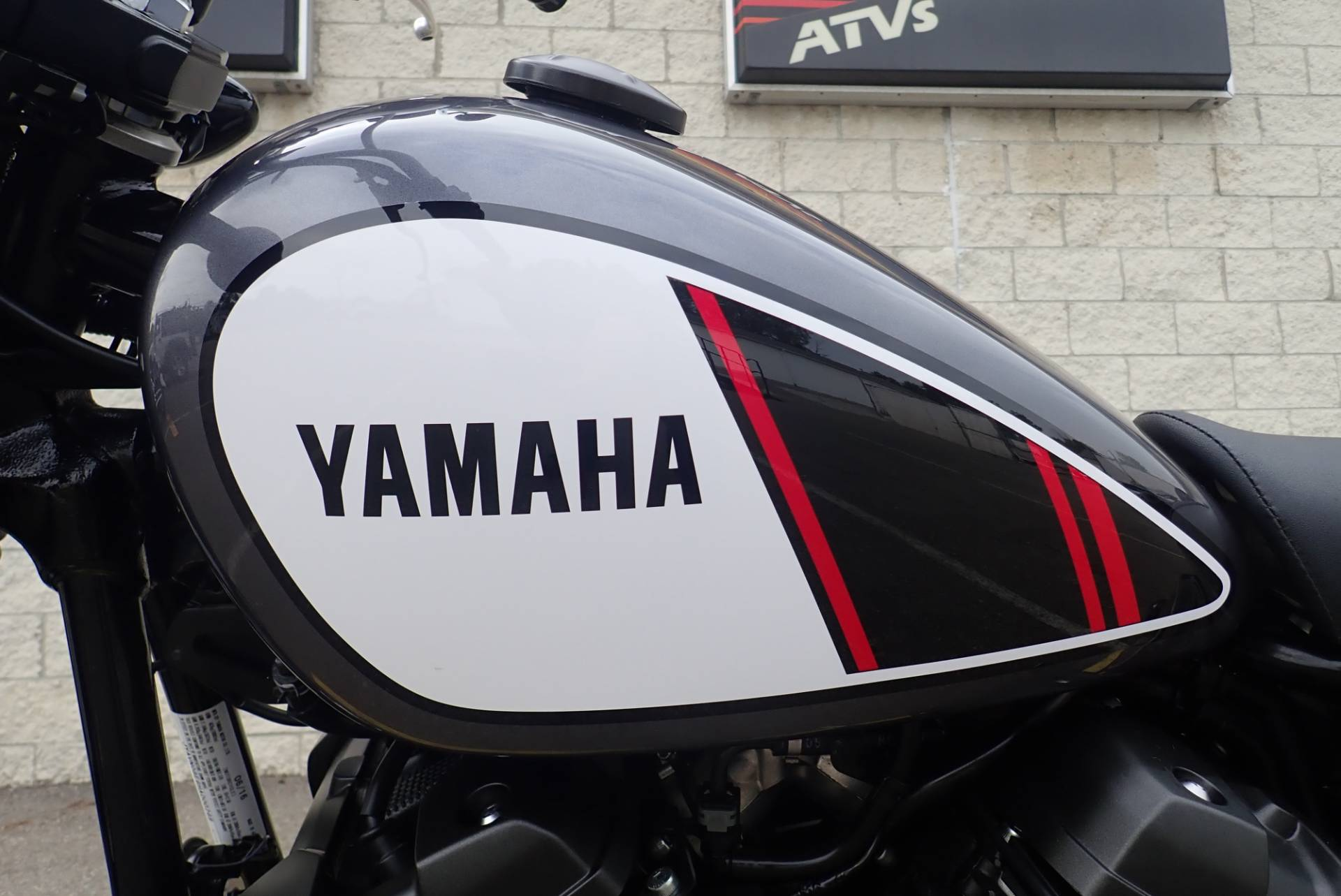 2017 Yamaha SCR950 in Massillon, Ohio - Photo 15