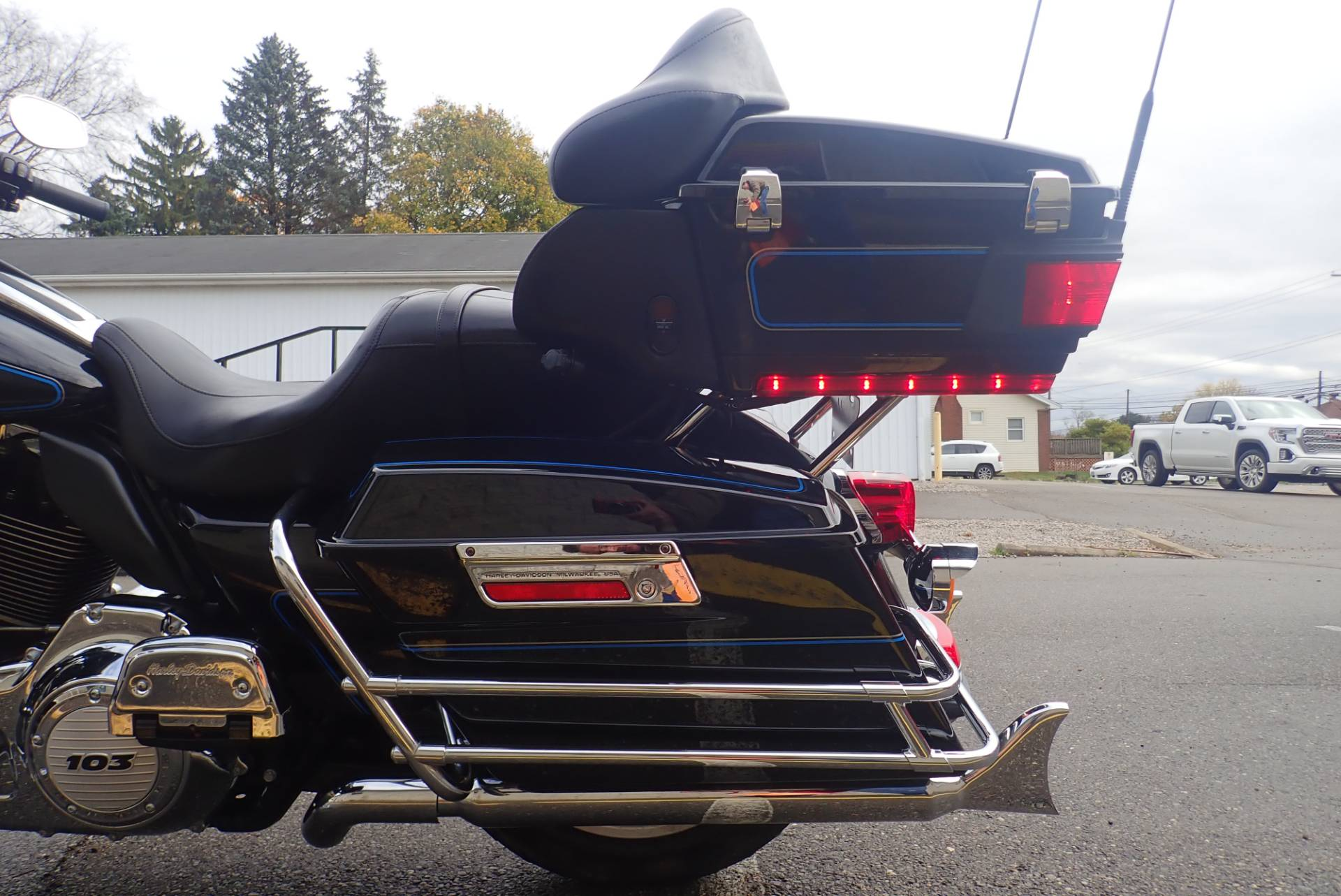 2012 Harley-Davidson Ultra Classic® Electra Glide® in Massillon, Ohio - Photo 7