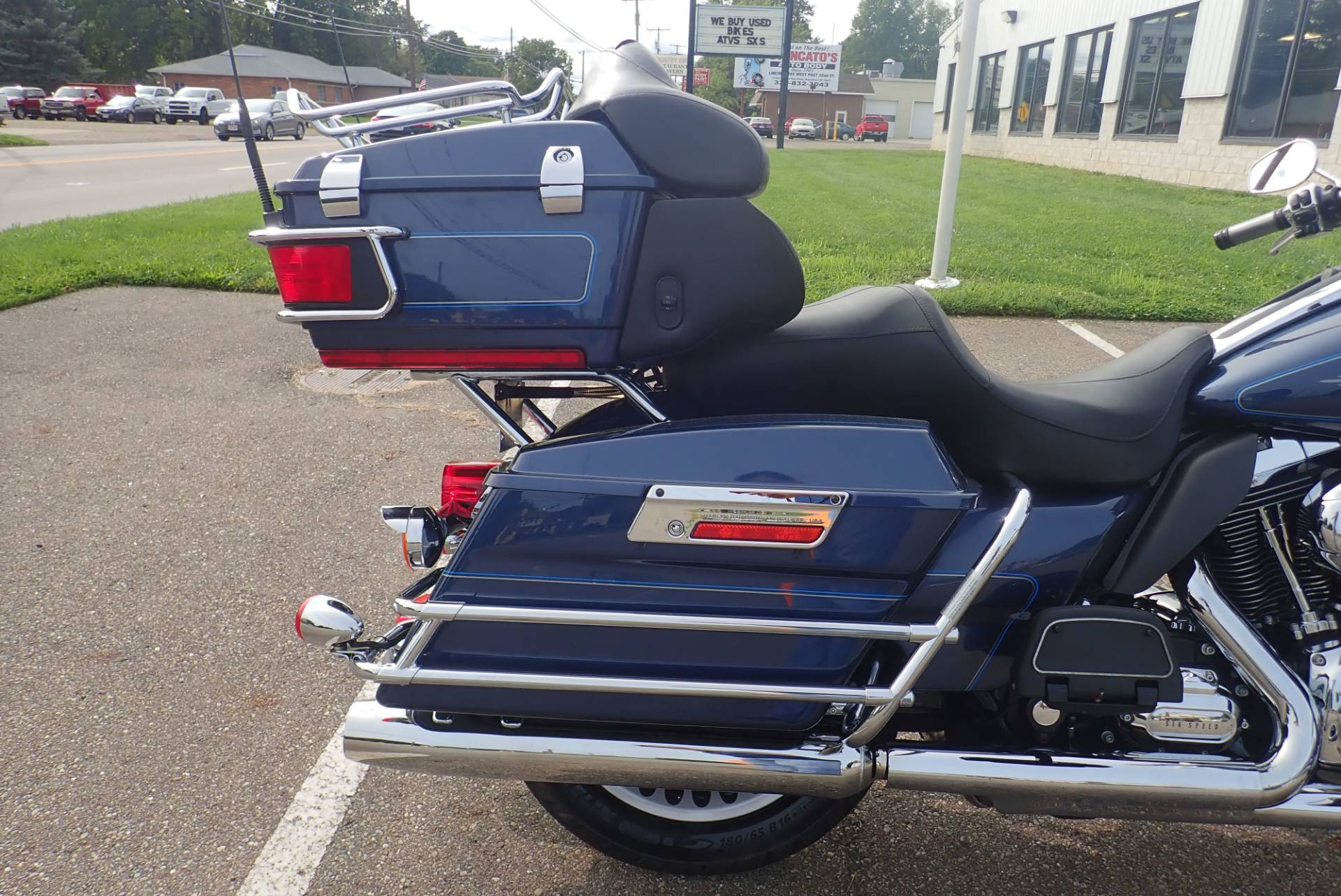 2009 Harley-Davidson Ultra Classic® Electra Glide® in Massillon, Ohio - Photo 5