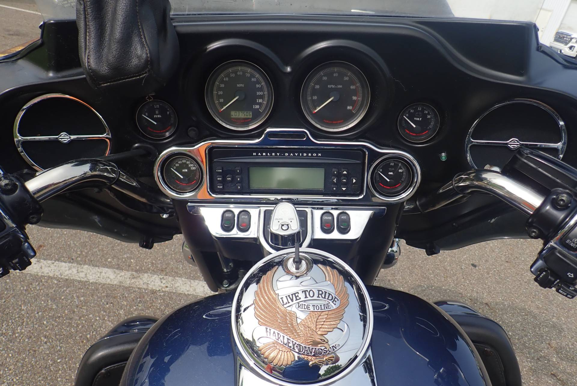 2009 Harley-Davidson Ultra Classic® Electra Glide® in Massillon, Ohio - Photo 14