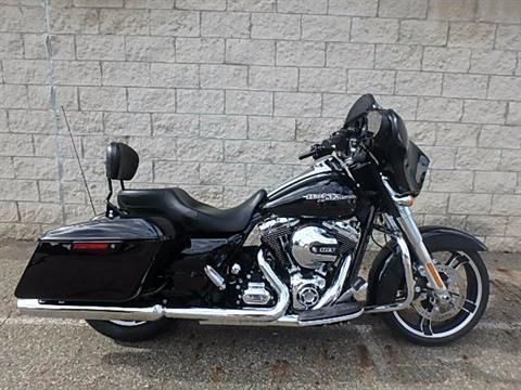 2015 Harley-Davidson Street Glide® in Massillon, Ohio