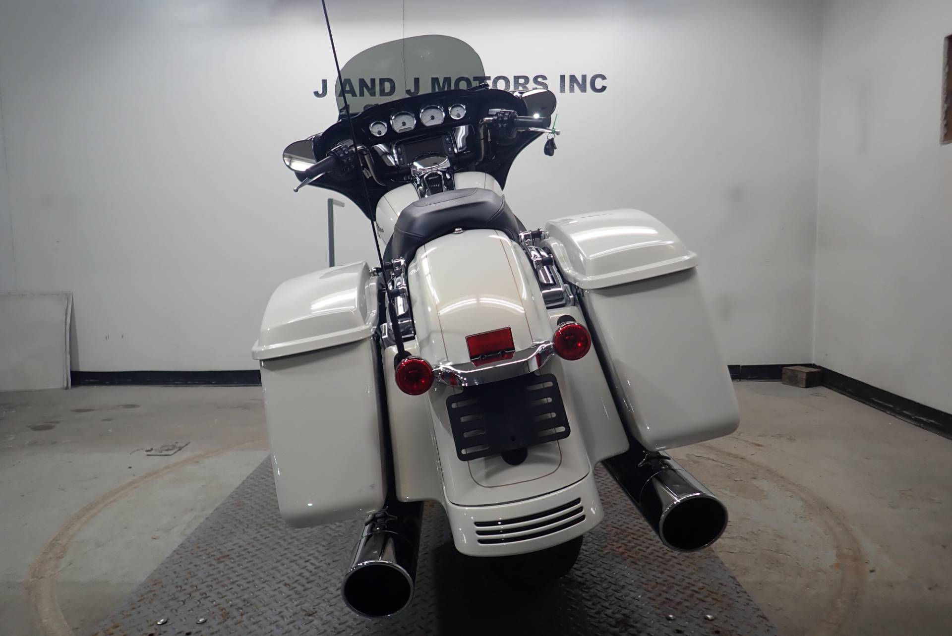 2015 Harley-Davidson Street Glide Special 11