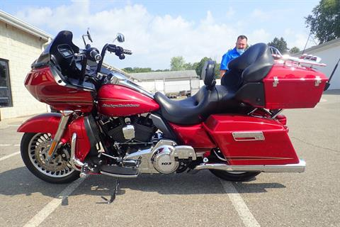 2013 Harley-Davidson Road Glide® Ultra in Massillon, Ohio - Photo 6