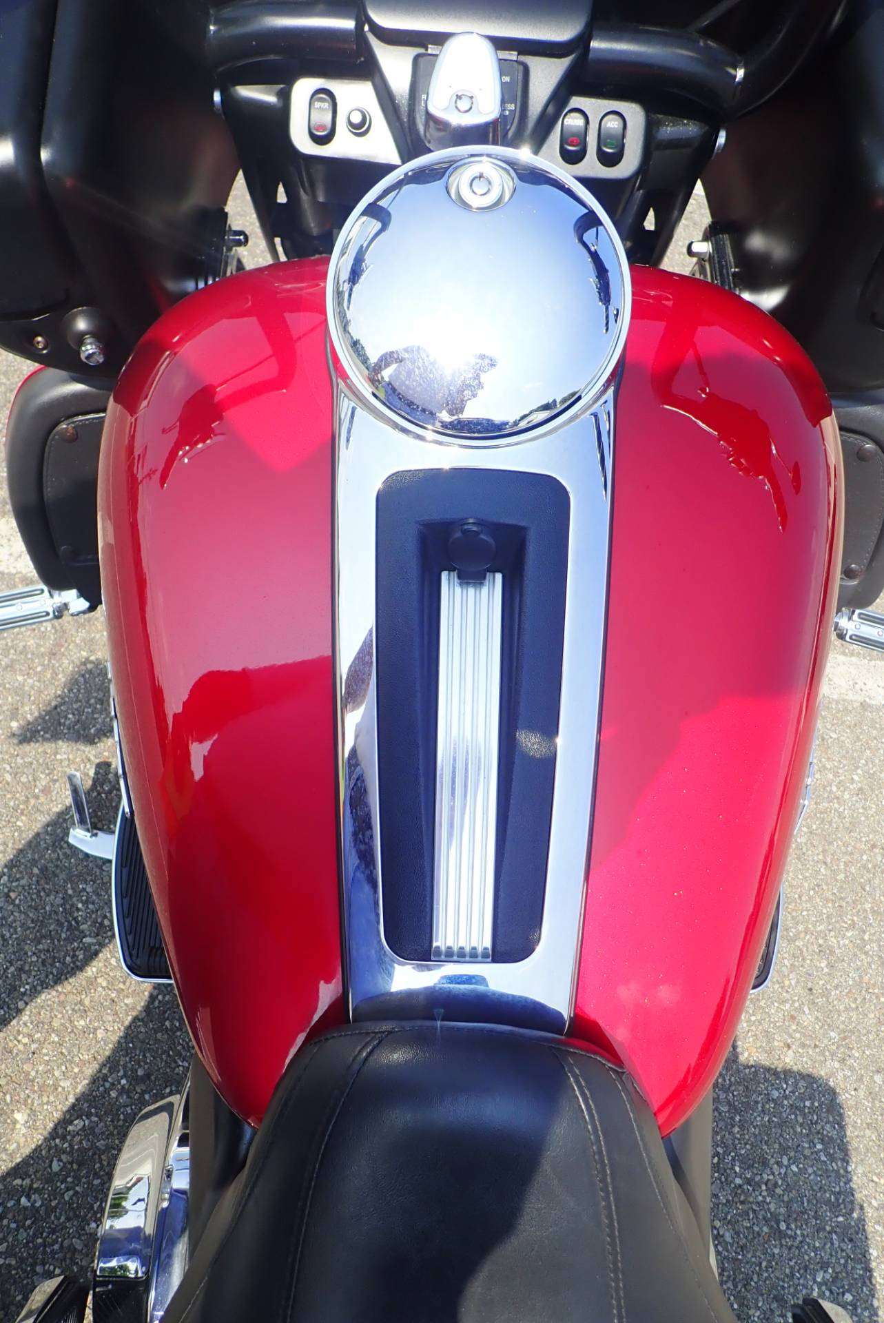 2013 Harley-Davidson Road Glide® Ultra in Massillon, Ohio - Photo 16