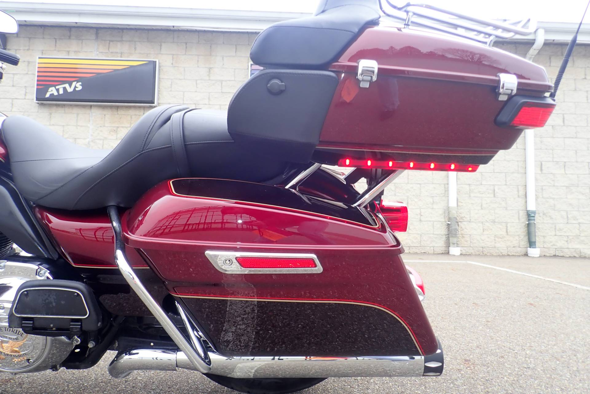 2015 Harley-Davidson Electra Glide® Ultra Classic® in Massillon, Ohio - Photo 8
