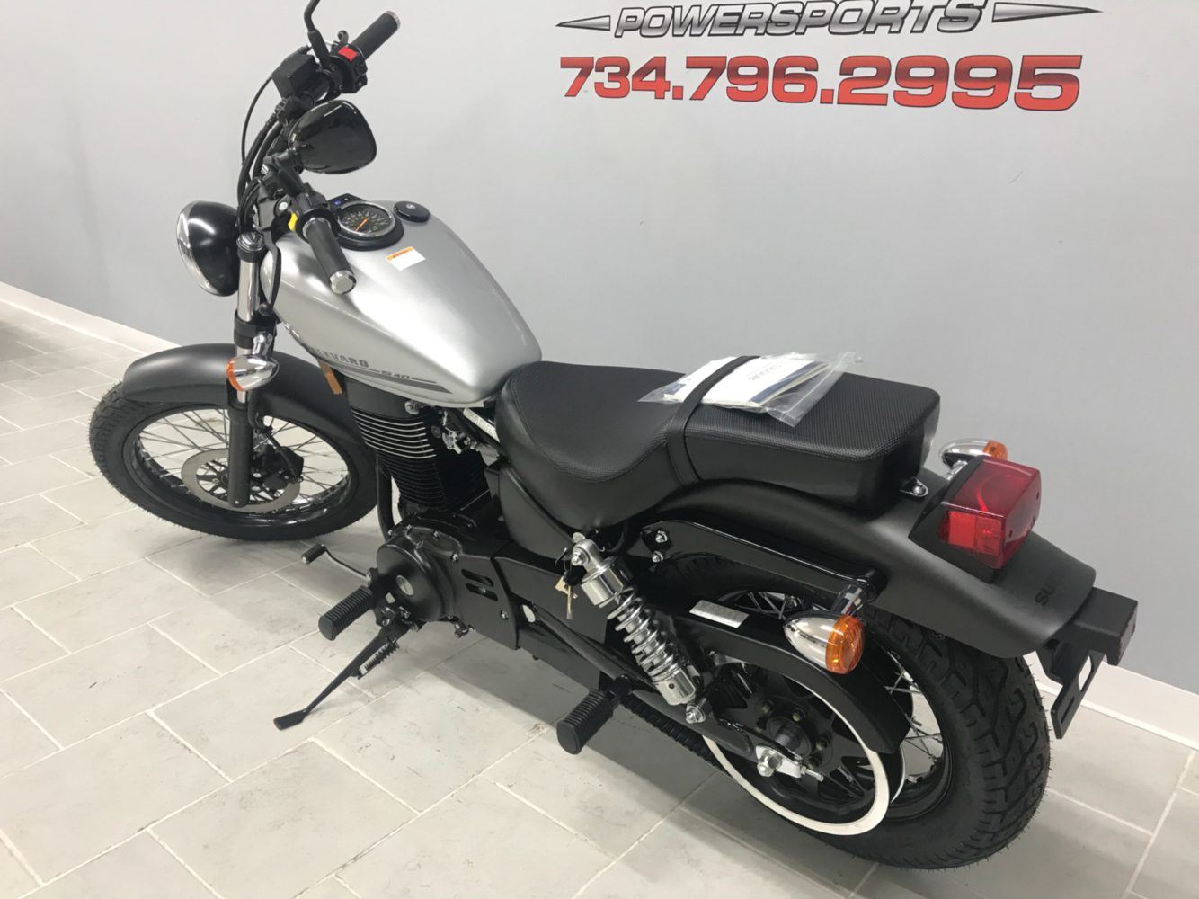 2018 Suzuki Boulevard S40 in Belleville, Michigan