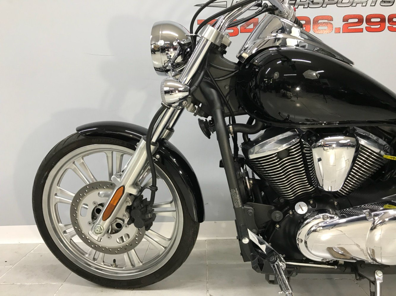 2008 Kawasaki Vulcan® 900 Custom in Belleville, Michigan - Photo 8