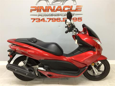 2013 Honda PCX150 in Belleville, Michigan - Photo 1