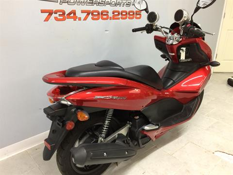 2013 Honda PCX150 in Belleville, Michigan - Photo 5